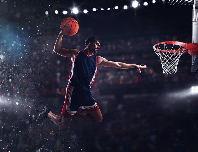 تمرین بسکتبال در جو ماه!