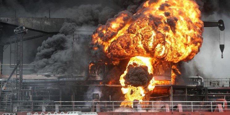 آتش سوزی دو نفتکش در سواحل کره جنوبی؛ 9 نفر مجروح شدند
