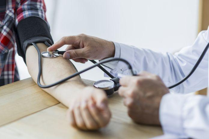 چگونه فشار خون را پایین بیاوریم؟10