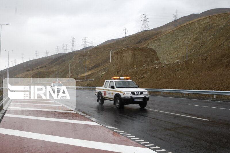 خبرنگاران مدیرکل راهداری یزد: تمامی جاده های استان باز است
