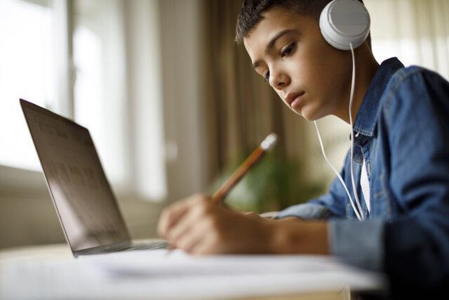 آموزش از راه دور اضطراب نوجوانان را کاهش می دهد