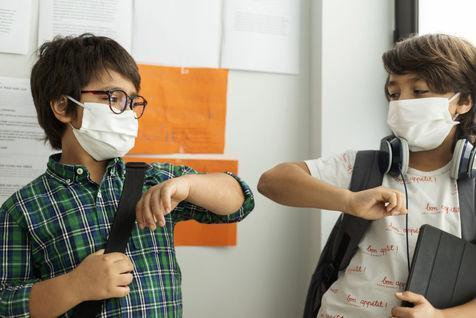 5 نشانه متفاوت ابتلای بچه ها به کرونا