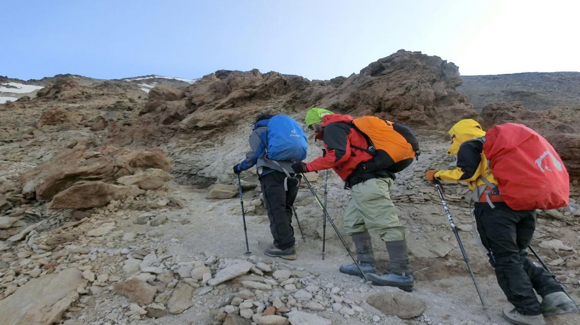 کوهنورد مهابادی پیروز به کسب مدرک مربیگری درجه 3 کوهپیمایی شد