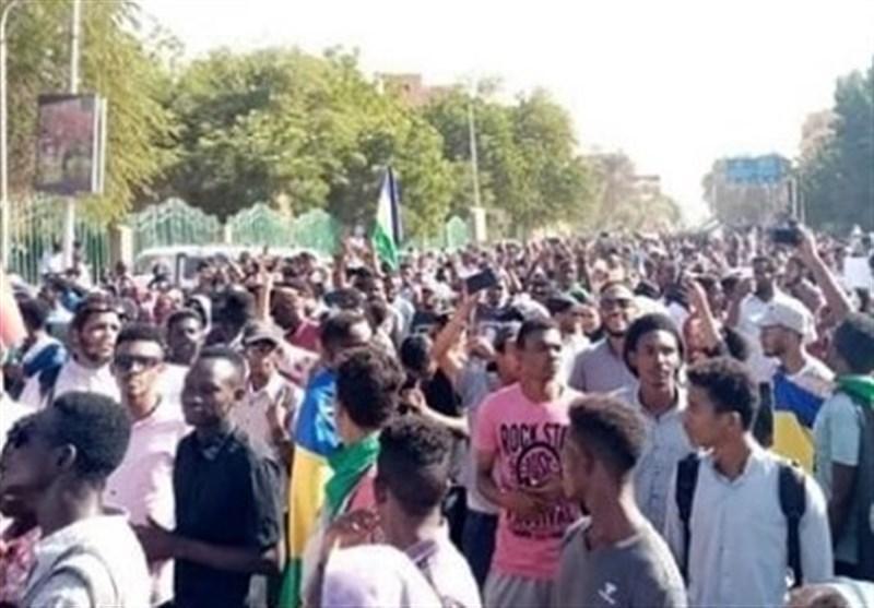 سودانی ها خواهان سرنگونی دولت حمدوک شدند
