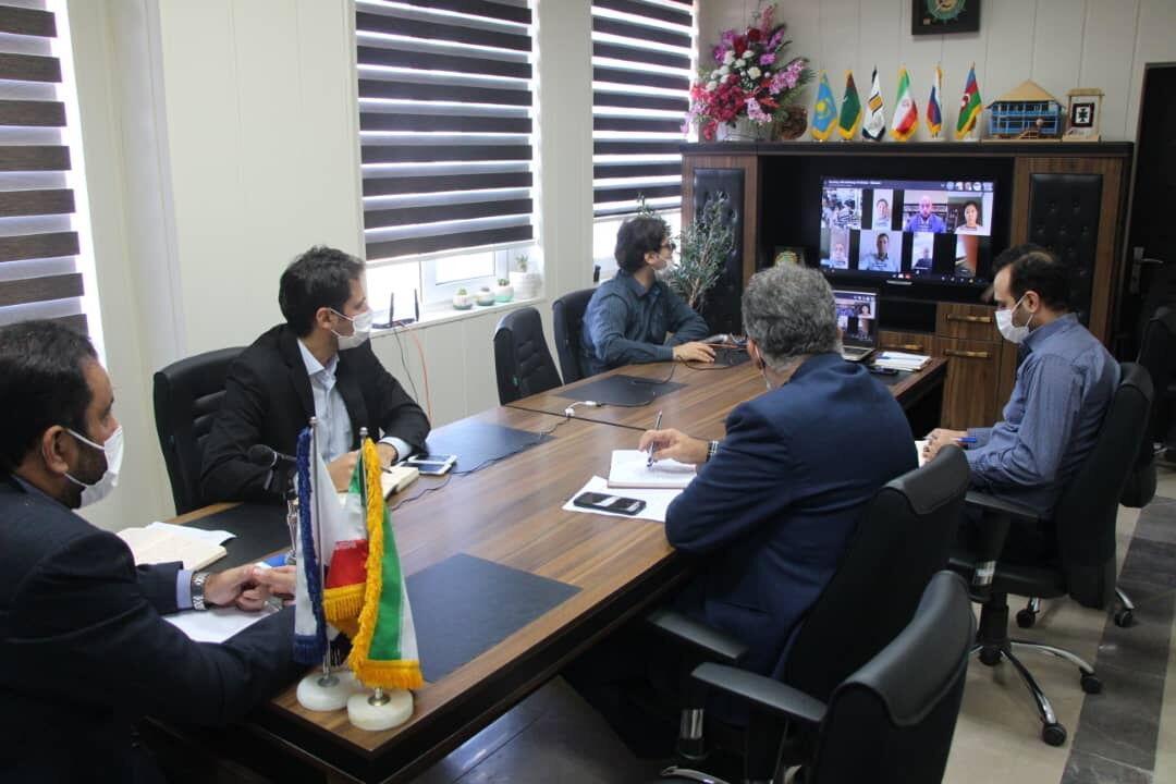 خبرنگاران سازمان منطقه آزاد برای تنوع بخشی به سبد صادراتی اهتمام دارد