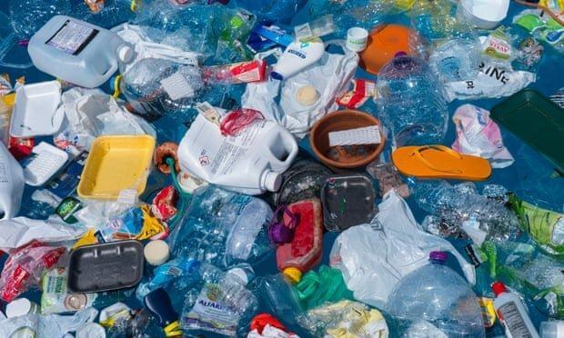آمریکایی ها و انگلیسی ها، بزرگترین تولیدکنندگانِ زباله پلاستیکی در دنیا