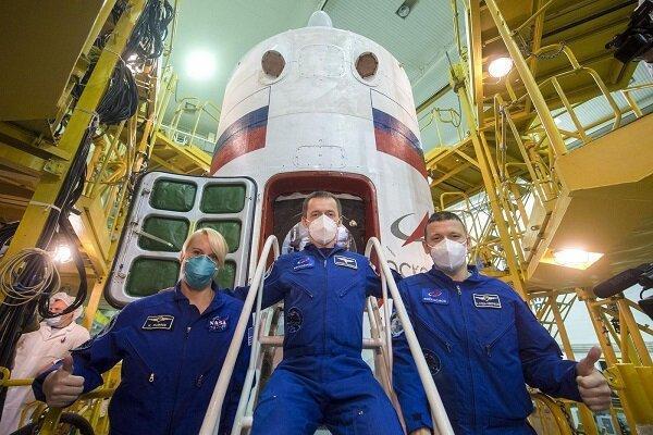 فضانورد زن ناسا باز هم با راکت روسی به فضا می رود