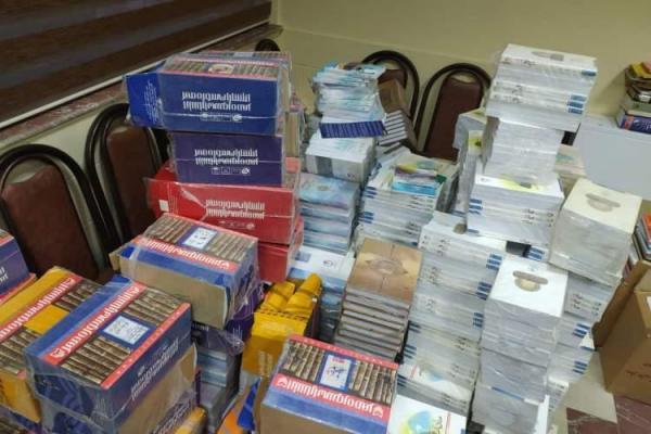 اهدای 8000 جلد کتاب به کتابخانه های عمومی کردستان