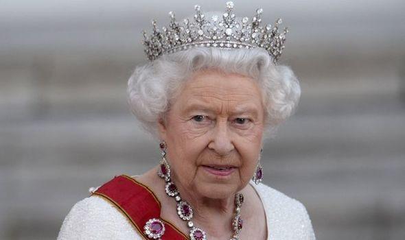 افشای اقدام های ملکه انگیس برای مخفی نگه داشتن میزان ثروت شخصی