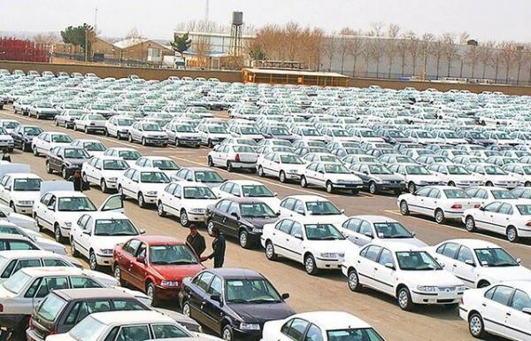 بیش از 100 هزار خودروی ناقص در پارکینگ های خودروسازان خاک می خورد